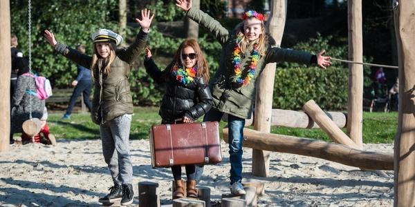 Spelende kinderen in het Steytelinckpark