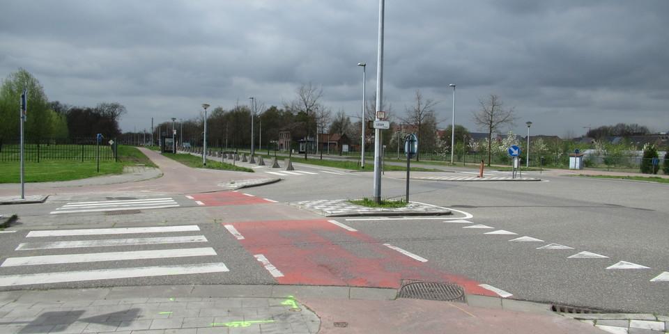 R11 - Legerstraat
