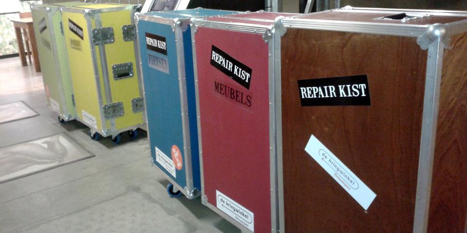 Repair kisten met al het nodige materiaal