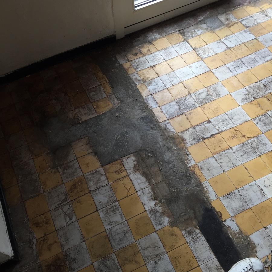 Detail van de oorspronkelijke keukenvloer.