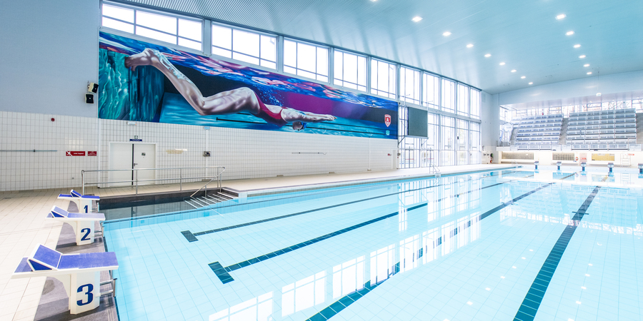 Overzichtsfoto groot bad zwemcentrum Wezenberg