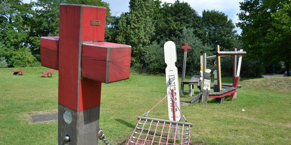 Het oude speelterrein op de Rodekruislaan