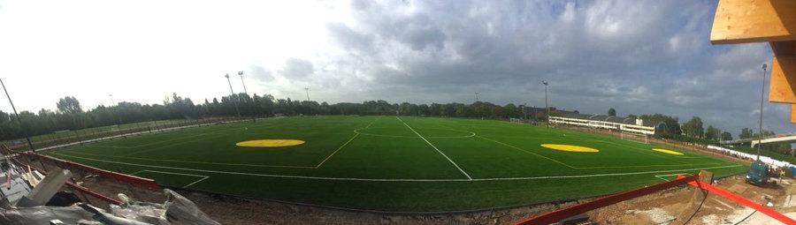Panorama van de eerste twee sportvelden Park Groot Schijn