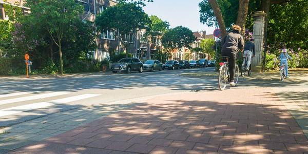 Kruispunt Marneflaan / Broydenborglaan vanop fietspad