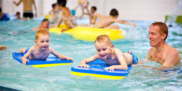 Speelzwemmen in zwembad Sorghvliedt