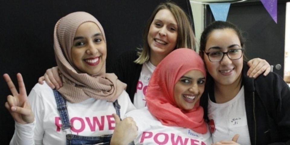 Groepsfoto van deelneemsters M-power project
