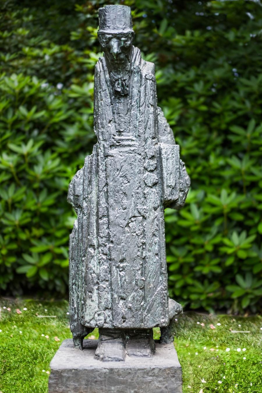 Standbeeld Keesje, het diakenhuismannetje