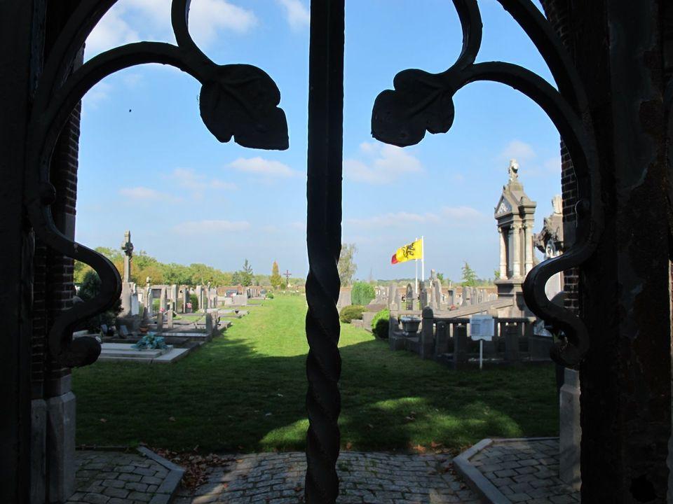 Een blik op de begraafplaats in Ekeren