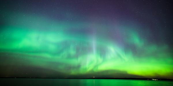 horizon met noorderlicht
