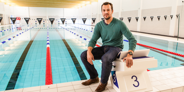 Tim van den Bulck in zwembad Wezenberg
