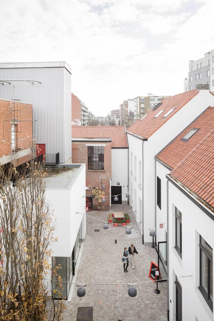 De site was een labyrint van gebouwen. Een semipublieke binnenstraat organiseert nu het plan.©