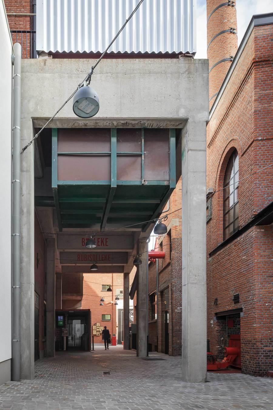 Rechts onderaan de ketels dewelke in het ontwerp werden gevrijwaard als beschermd erfgoedelement.