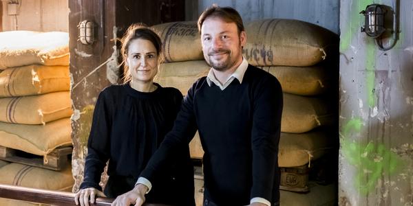 Initiatiefnemers Mickelle Haest en Jeroen Jespers poseren