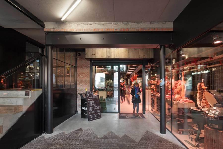 Verschillende 'ambachten' namen hun intrek op de site en zorgen voor nieuw leven in de brouwerij. Zo vind je er een chocolatier, kaasaffineur, culinair fotograaf, bakker, slagersatelier en restaurant.