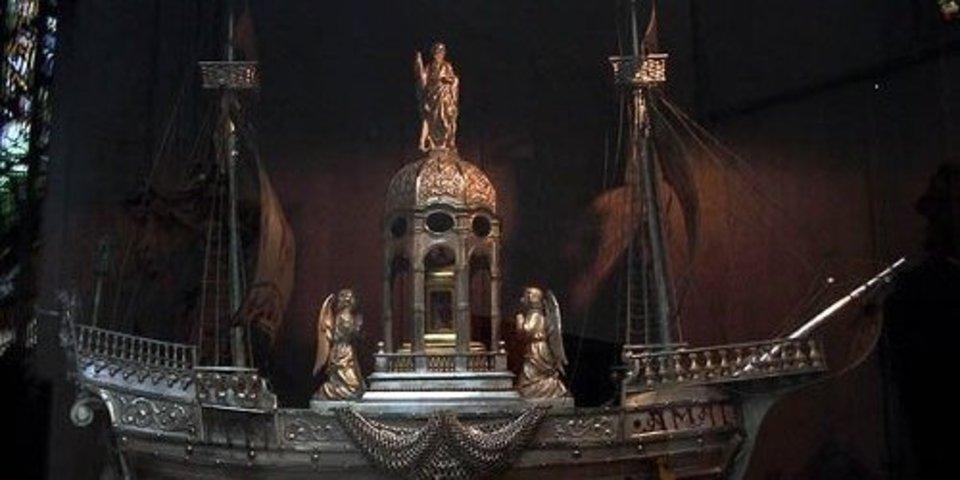 Het Scheepje van Amalfi, een zilveren reliekschrijn uit 1929