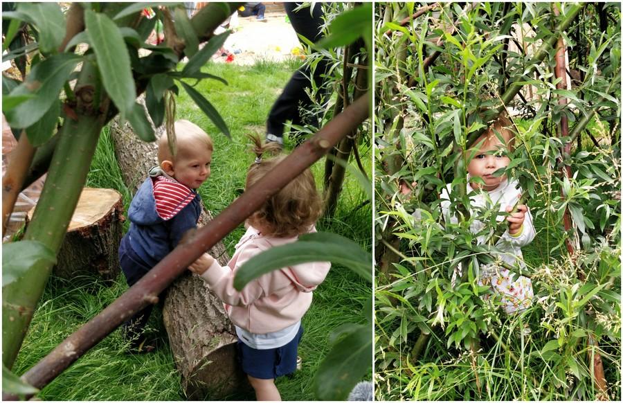 Kinderen verstoppen zich in de wilgenhut
