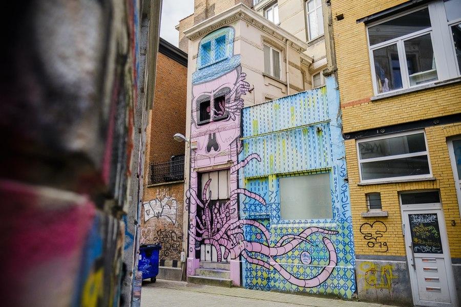 'Ghosthouse' door Gijs Vanhee en Samuel Vanderveken. Ontdek streetart in hartje Antwerpen met de Antwerp Museum App