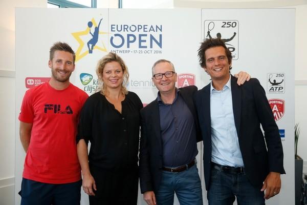 Kim Clijsters stelt het wereldrecord voor