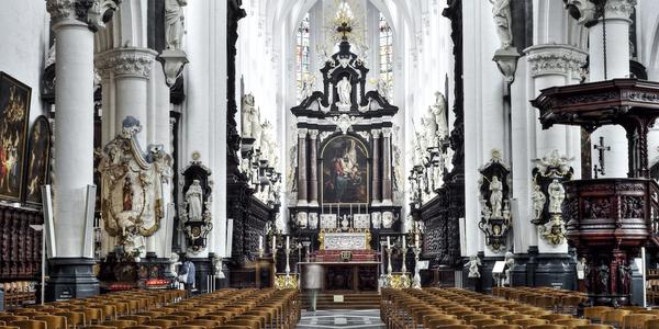 Interieur Sint-Pauluskerk in Antwerpen