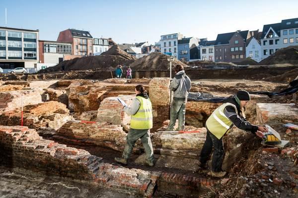 Archeologen van de stad en All-Archeo aan het werk.