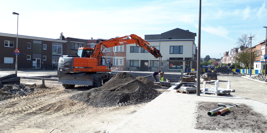 16/04: aanleg van de parkeerstroken