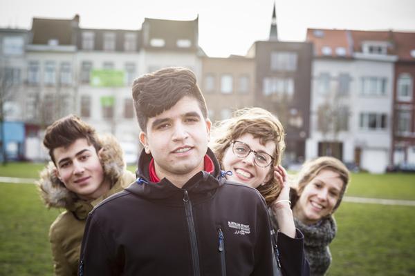 jongeren in een park