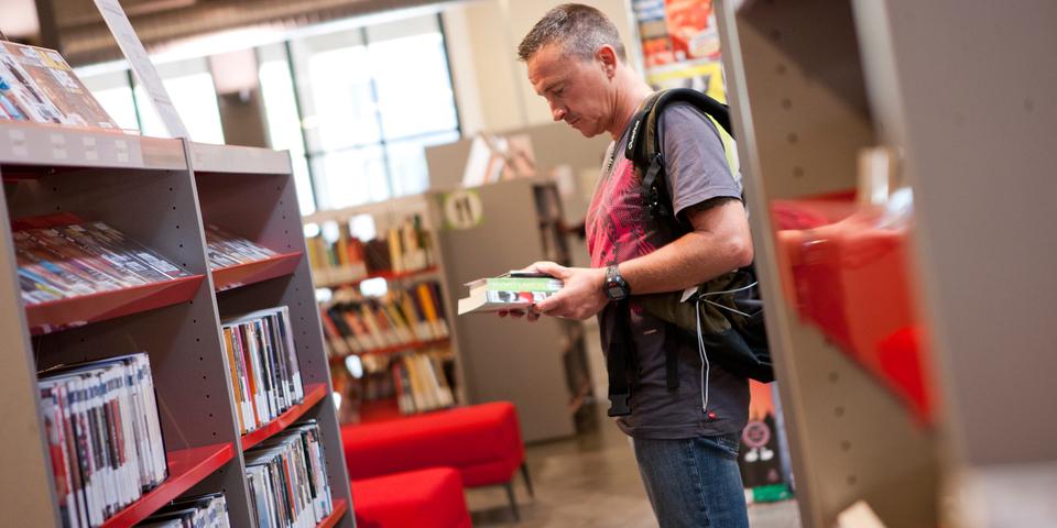 Boeken en films kiezen in Permeke