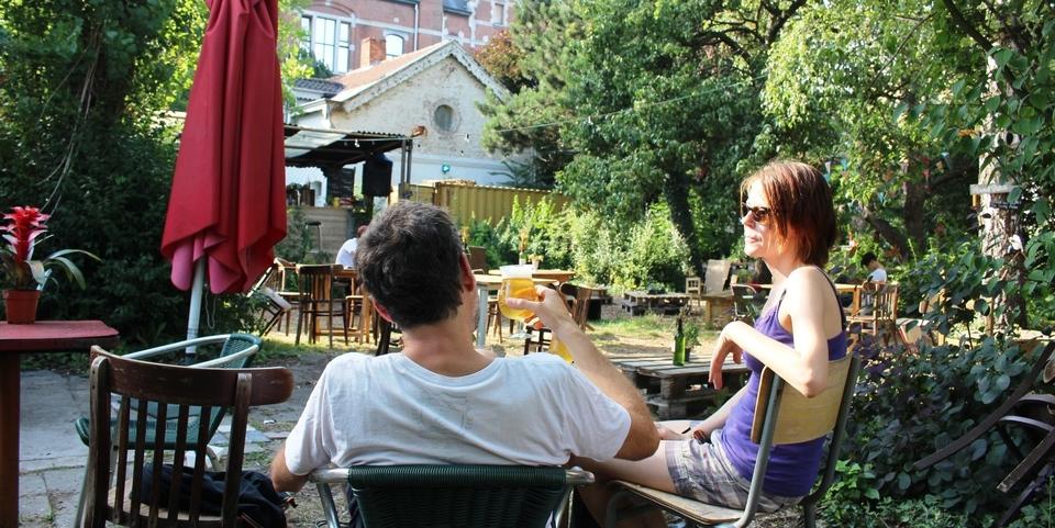 Genieten op een zomers terras in Antwerpen