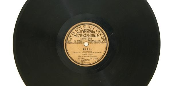 'Maria' van Tino Rossi, een vinylplaat uitgegeven door de Antwerpse Muziekcentrale