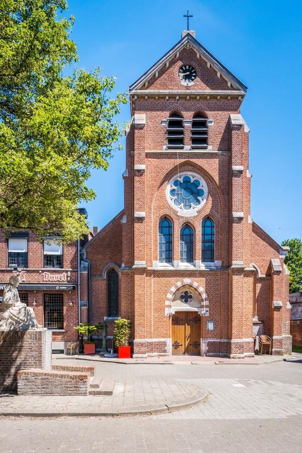 Sint-Benedictuskerk in Lillo