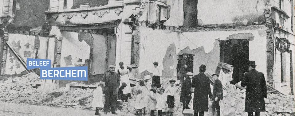 Archiefbeeld van een gebombardeerd huis in Berchem