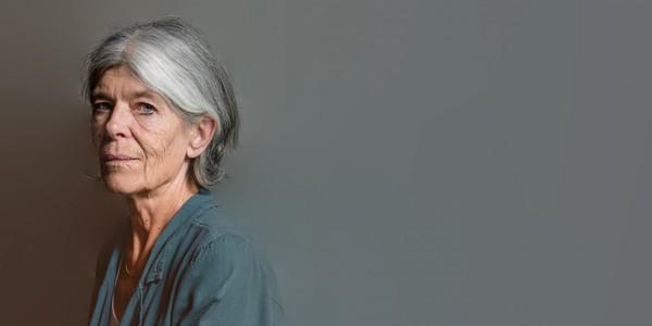 Anna Enquist in bib Permeke