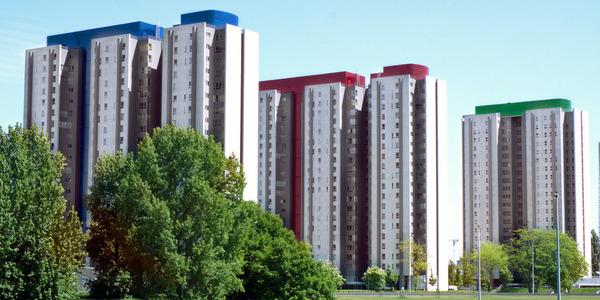 De silvertoptorens.