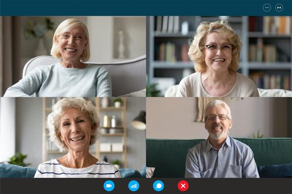 Videobelgesprek met 4 senioren