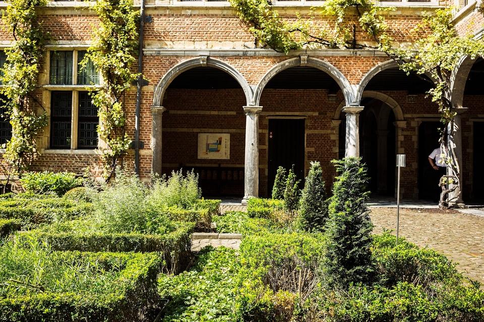 Binnentuin museum Plantin-Moretus