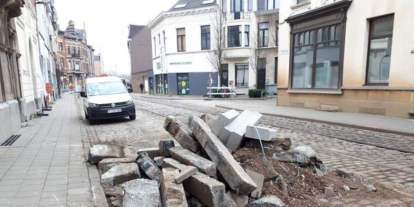 Na de voorbereidende werken begon op 27 maart de heraanleg van de Guldenvliesstraat
