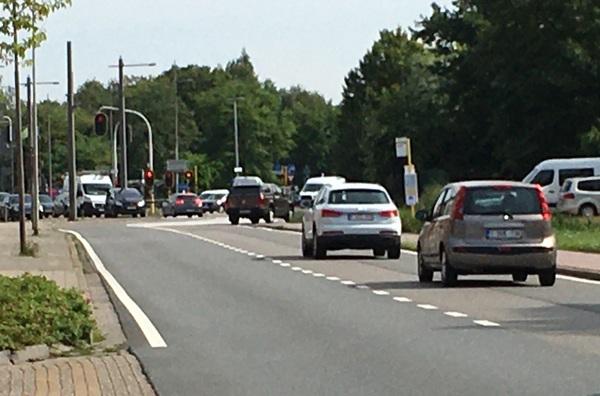 Foto van het kruispunt van de Sint-Bernardsesteenweg en de Krijgsbaan