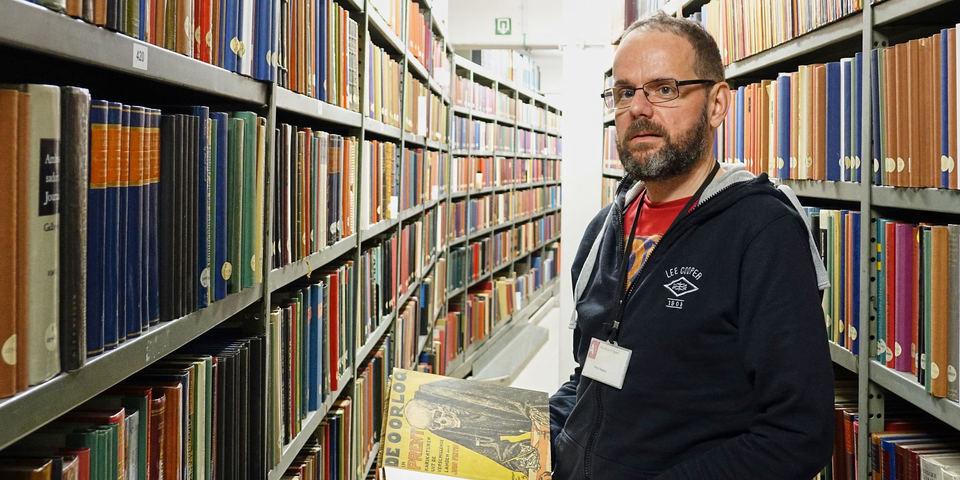 Peter Rogiest, verantwoordelijke van de leeszaalploeg die de drijvende kracht is achter de workshop 'Mediawijsheid WO I'