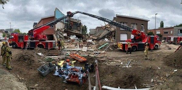 Ingestorte huizen in Ridderveld Wilrijk na explosie