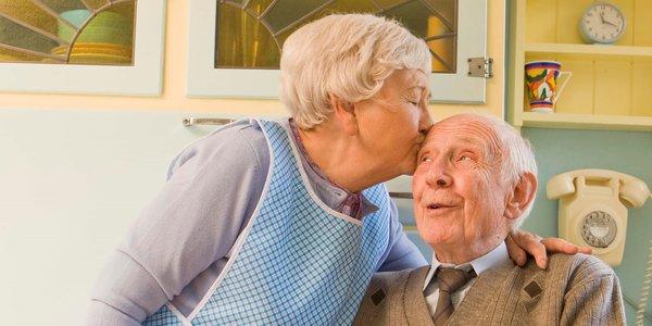 2 liefdevolle senioren