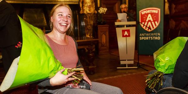 Ook Joyce Lefevre werd gehuldigd voor haar mooie 8ste plaats en bijhorend paralympisch diploma.