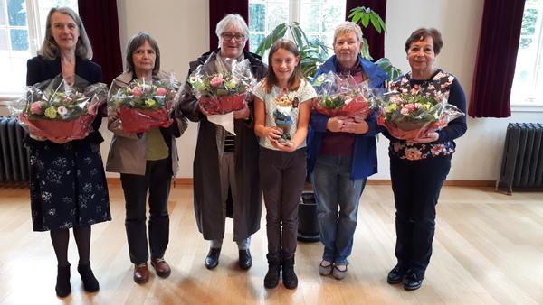 6 winnaars in de bloemetjes gezet