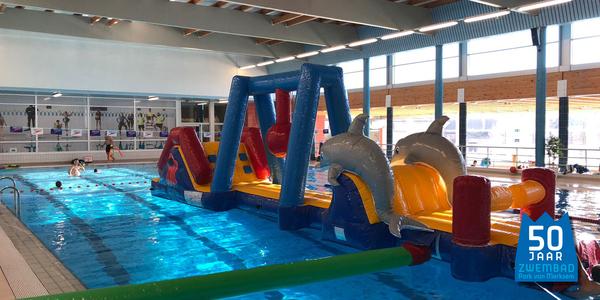 Opblaasstructuur in zwembad Park van Merksem