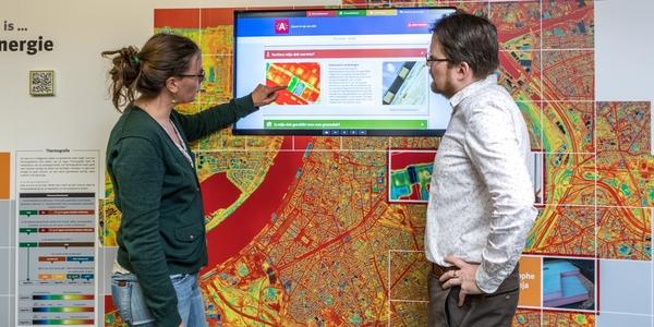 Bezoekers bekijken de isolatiegraad van hun woning op www.zoominopuwdak.be