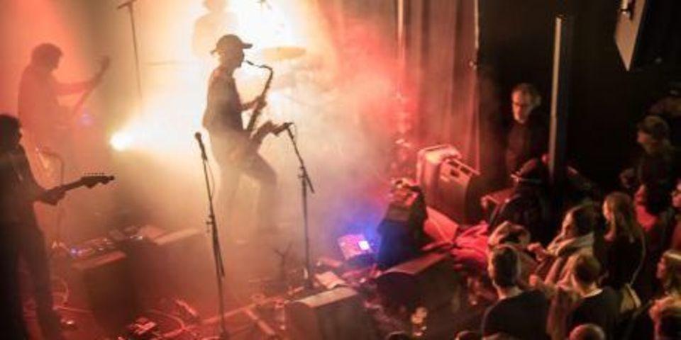Zanger op podium van Wintervuur