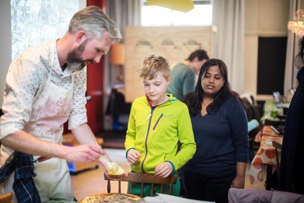 De Foodarcheoloog aan het werk tijdens Erfgoeddag in april