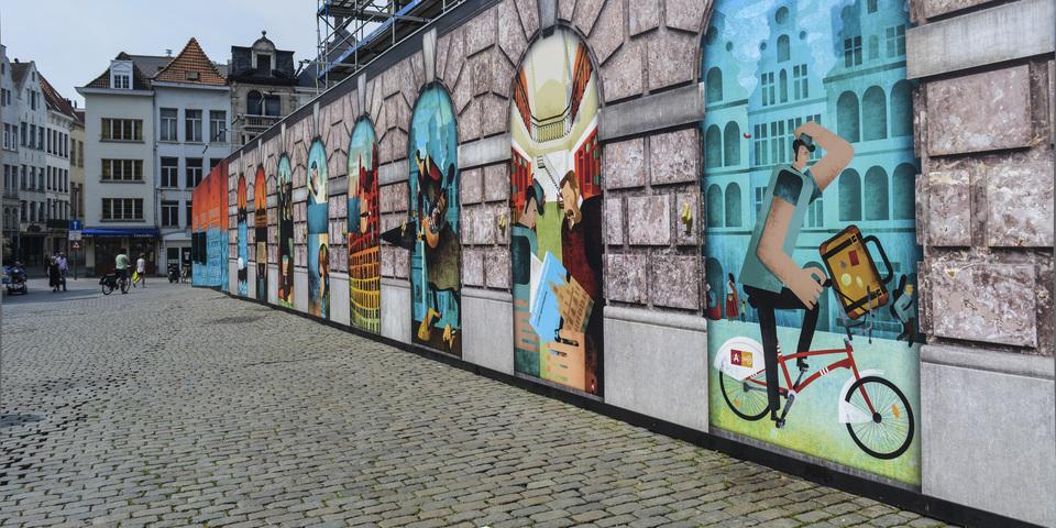 illustraties op werfomheining van stadhuis Antwerpen