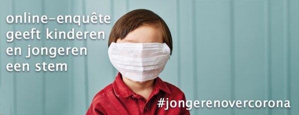 kind met mondmasker, ook over de ogen, met hashtag jongeren over corona