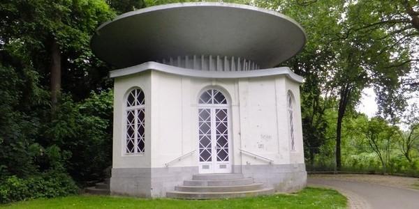 De Chinese Pagode in het Boekenbergpark