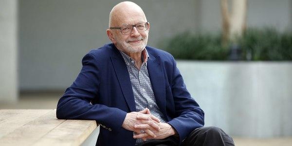 Foto ouderenpsycholoog Luc van de Ven voor week van de senior Borgerhout